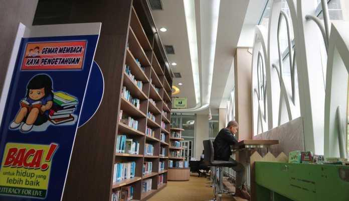 demi-tingkatkan-literasi-keagamaan-kemenag-bantu-perpustakaan-masjid